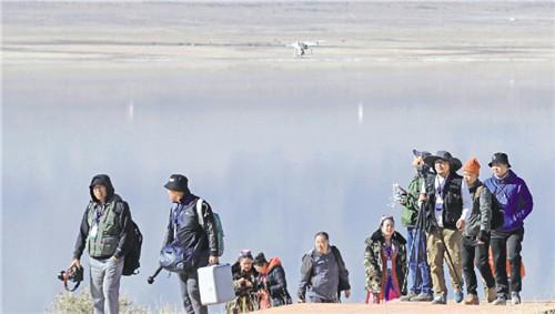 中国(哈密)无人机航拍大会开幕